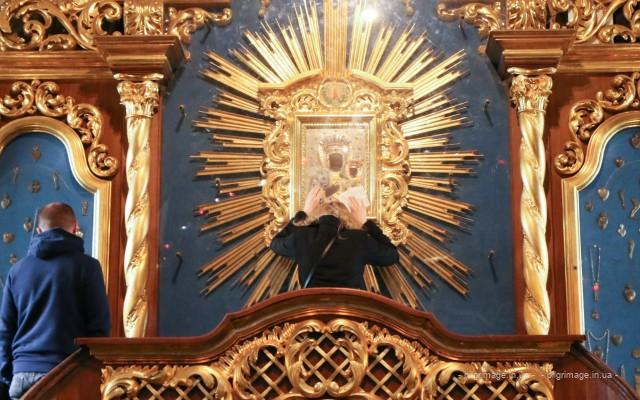 <!--:ua-->Проща до Гошева та святинь гуцульських Карпат <!--:-->